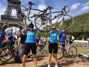 Arrving in Paris, COOKS Lizzie & Sarah